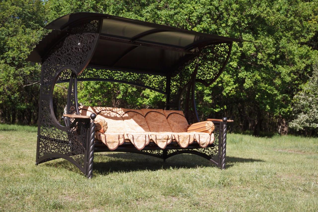 """Качели для сада """"Эмир"""" черного/коричневого цвета (с мягкой частью), материал основы сидения - дуб"""