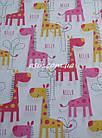 """Простынь на резинке """"Розовые жирафки"""" в детскую кроватку размером 120*60., фото 2"""