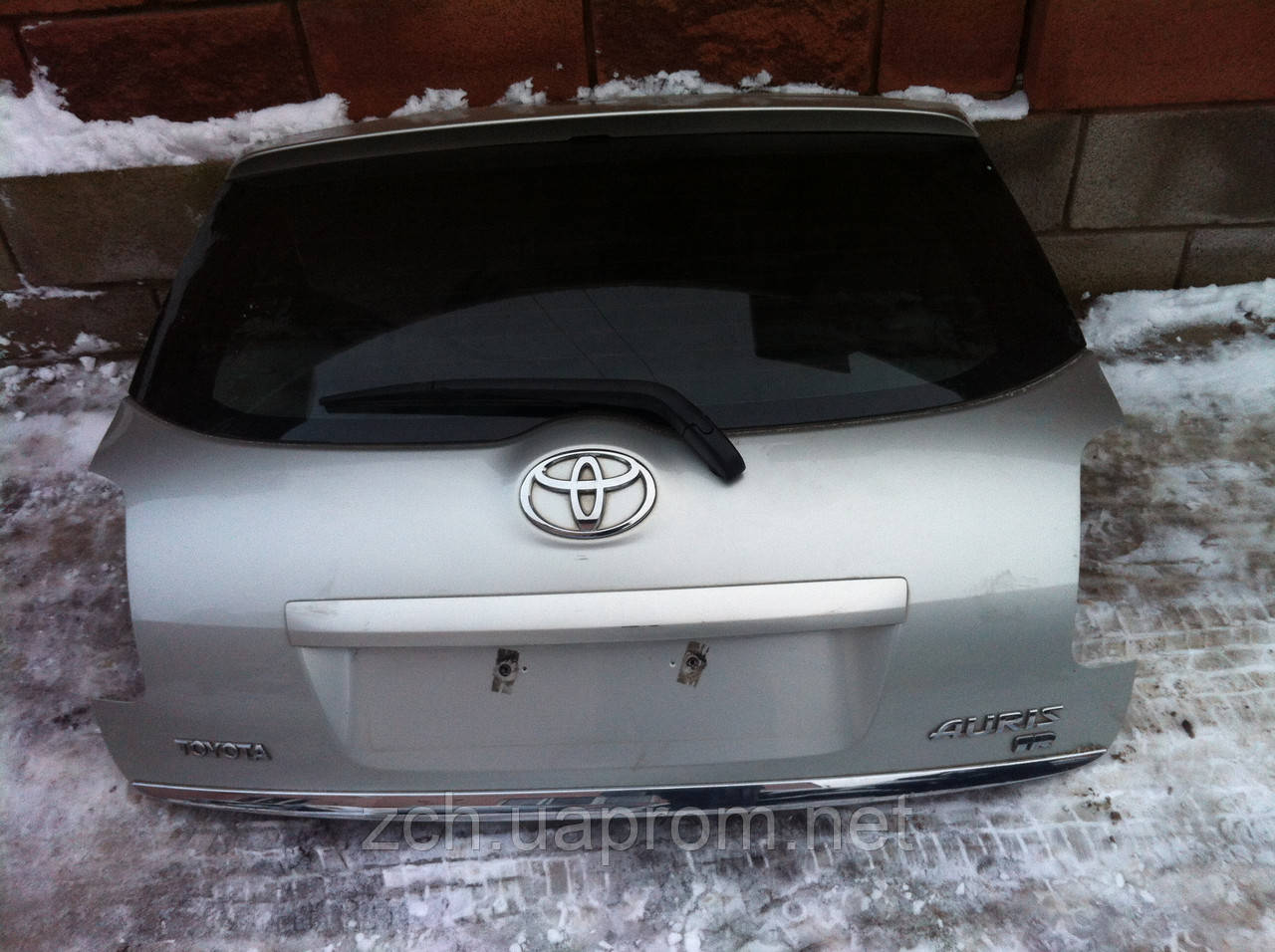 Задня кришка Toyota Auris