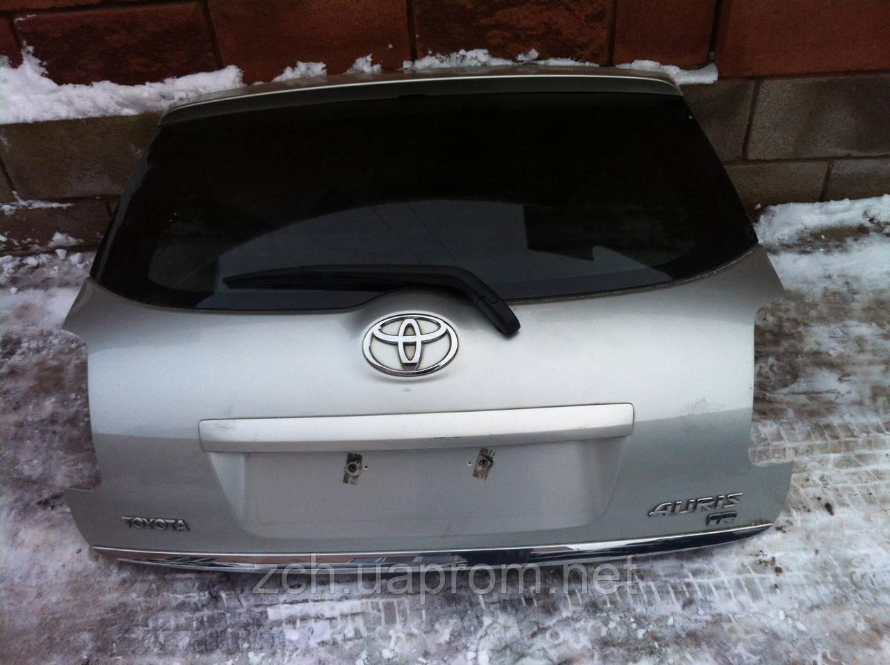 Задняя крышка Toyota Auris