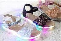 Босоножки для девочки Led подсветкой 31-18,8см размер.