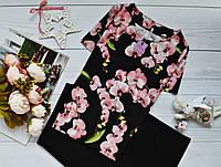Женская блуза короткий рукав, яркий принт: орхидея на черном