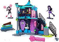 Конструктор Мега Блокс Школа Монстр Хай Mega Bloks Monster High Fang Out School Play Set