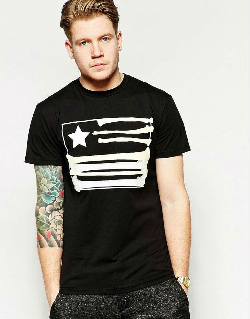 Стильная футболка с принтом черная
