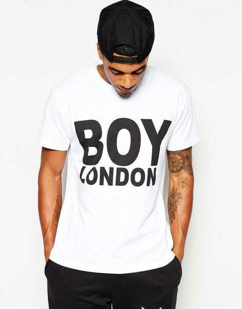 Трикотажная стильная футболка с принтом BOY LONDON
