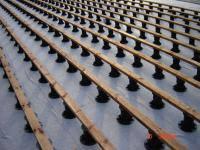 Пример укладки террасной доски из Термососны. Установка регулируемых опор и укладка лаг.