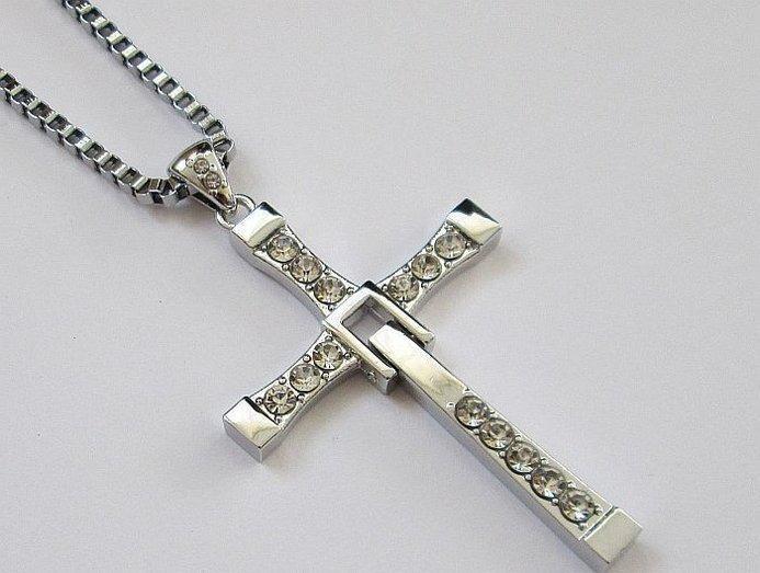 Крест Доминика Торетто с Форсажа (7,5*4,4см) с цепочкой и чехлом