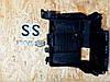 8200467409 Кронштейн крепления аккумулятора Рено Megane II SCENIC II