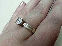 Кольцо серебро с камнем