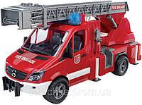 Bruder Пожарный МВ Sprinter с лестницей (водяная помпа,свет и звук) 1:16