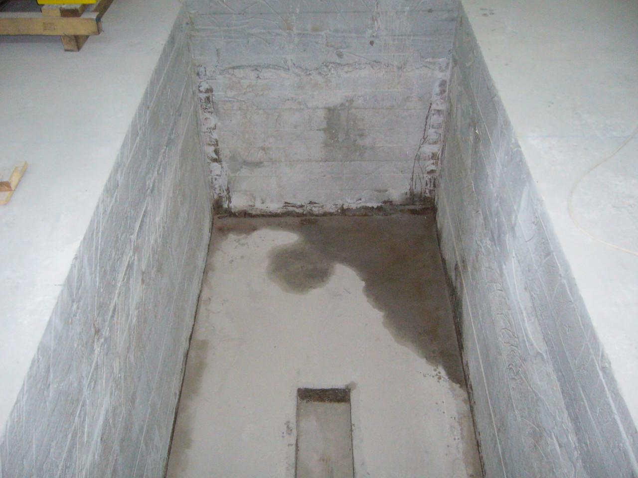 Гидроизоляция примыканий и поверхности бетонных приямков