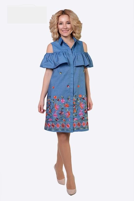 Джинсовое платье с воланом и вышивкой