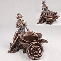 """Шкатулка """"Девушка и роза"""" (15 см) 10197 A4"""