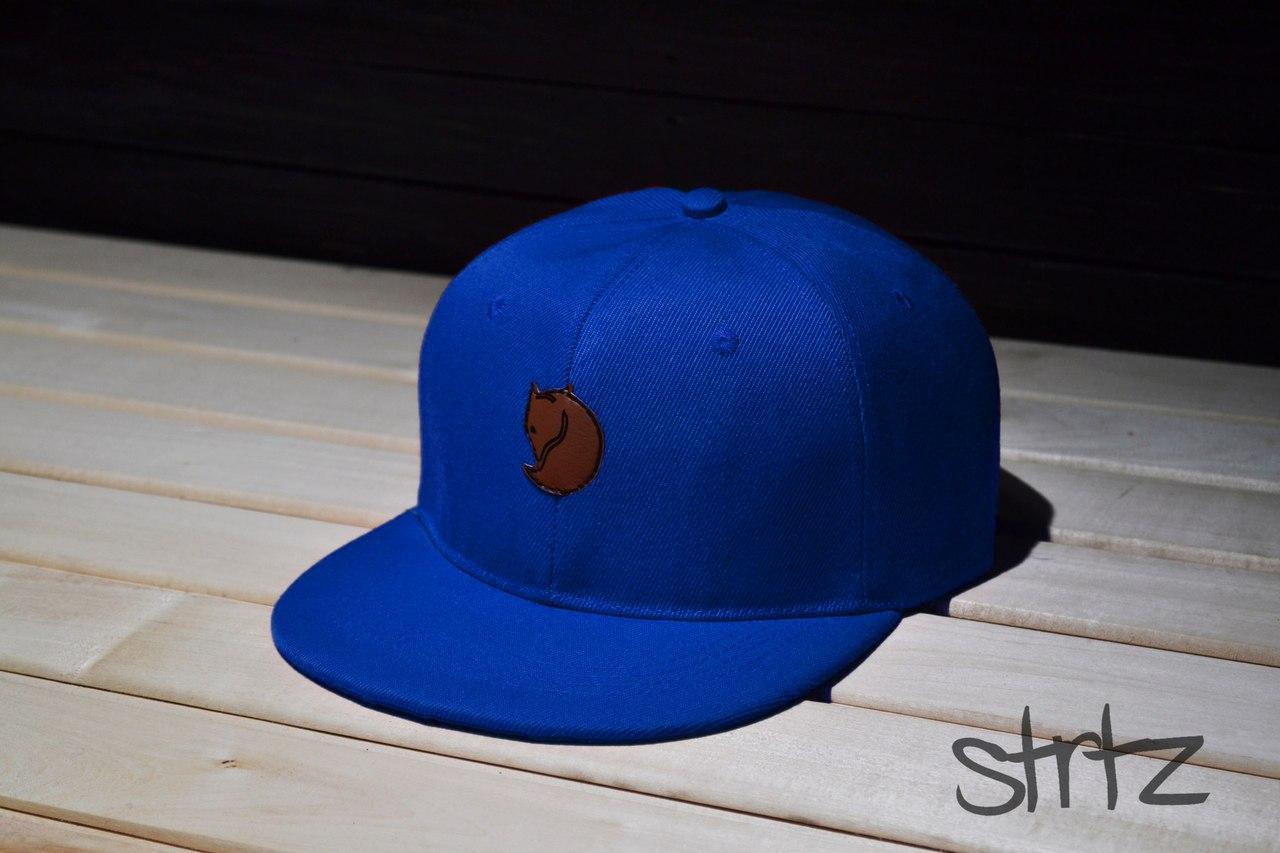 Яркая рэперская кепка Fjallraven Snapback Cap