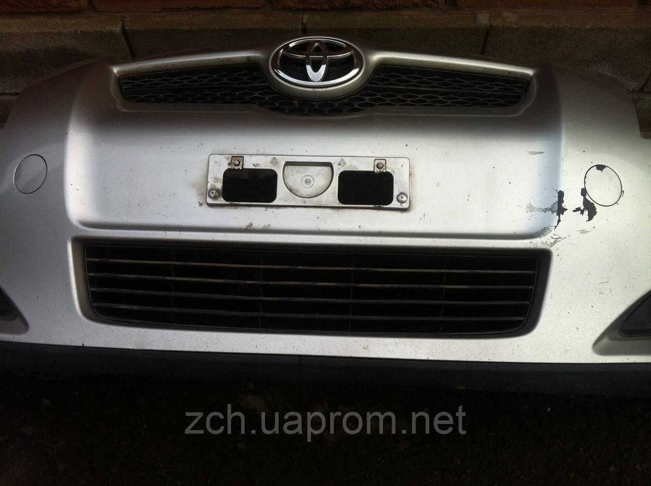 Решітка бампера Toyota Auris