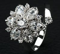 Позолоченное кольцо с цирконами код 1159