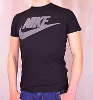 Cпортивная футболка с логотипом Nike