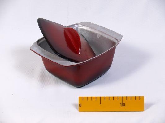 Гуляшница ЭГ1,5 с крышкой, с наружным стеклоэмалевым покрытием, 1,5-л
