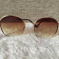 Стильные солнцезащитные очки 2017г