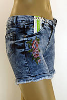 женские джинсовые шорты cвышивкой