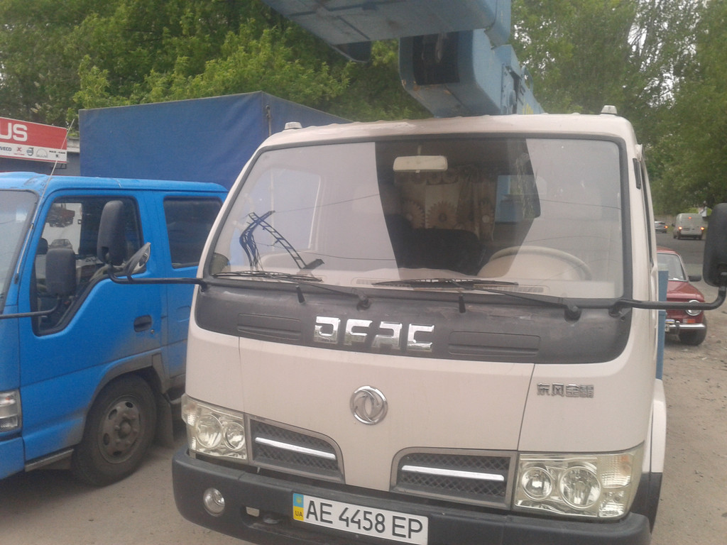 Замена лобового стекла Dong Feng 1051