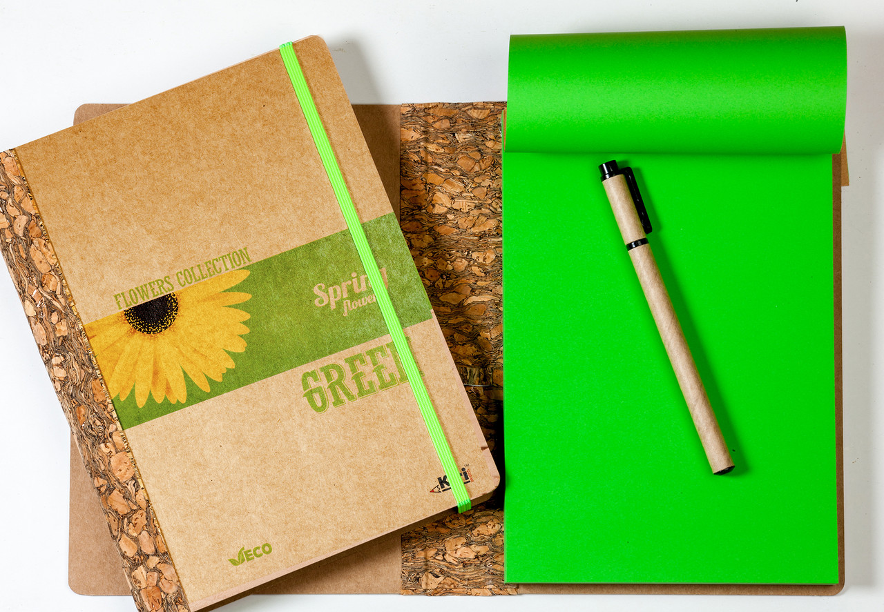 """ЭкоБлокнот с зелеными листами серии """"Flowers"""" + ручка"""