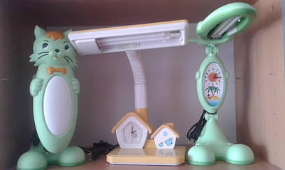 Детская настольная лампа с часами