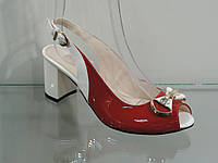 Женские босоножки на не высоком каблуке