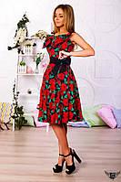 Платье миди с открытыми плечами и бантиком синий с красными розами