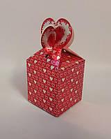 """Подарочная коробка """"Красно-белые сердца"""""""