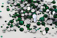 Стразы Swarovski mix Green (100 шт)