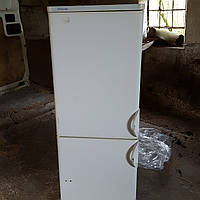 Холодильник б/у Electrolux ER2522B, цвет белый