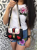 Ультрамодная женская сумка сумочка Gucci сердечки с цепочкой чёрная с белыми и розовыми вставками