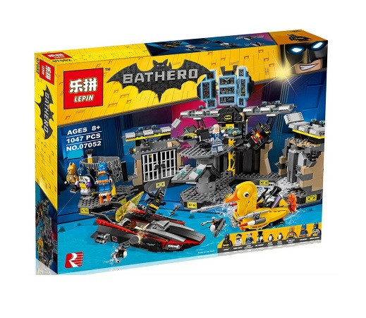 Конструктор Lepin серия Bathero 07052 Нападение на Бэтпещеру (Аналог THE LEGO BATMAN MOVIE 70909)