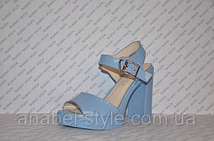 Босоножки женские лаковые на толстом каблуке голубые, фото 2