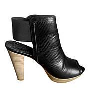 Босоножки ZARA черные каблук