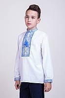 Вышиванка для мальчика на белом льне