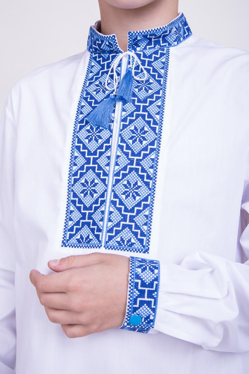 Сине-голубая вышивка