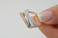 Нарядное женское кольцо из желтого и белого золота