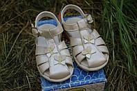 Босоножки кожаные для девочки primigi 20 размер