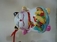 Манэки-Нэко  с уточками-мандаринками для привлечения денег и удачи