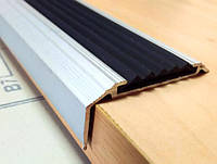 Резиновая накладка на ступени