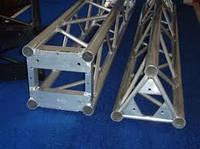 Аренда конструкций из алюминиевых ферм