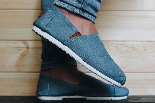 Летняя обувь (вьетнамки, кеды, эспадрильи)