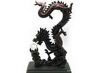 Дракон с хрустальной жемчужиной каменная крошка (36х13,5х12 см) ( 18559)