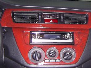Накладки на панель Mitsubishi Lancer 8 (1996-2004)