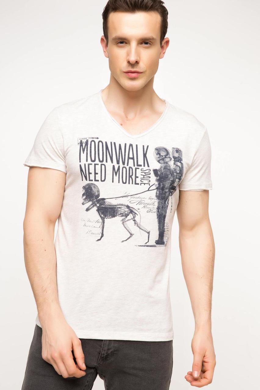 Мужская футболка De Facto бежевого цвета с надписью на груди Moonwalk need more
