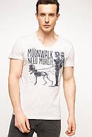 Мужская футболка De Facto бежевого цвета с надписью на груди Moonwalk need more, фото 1