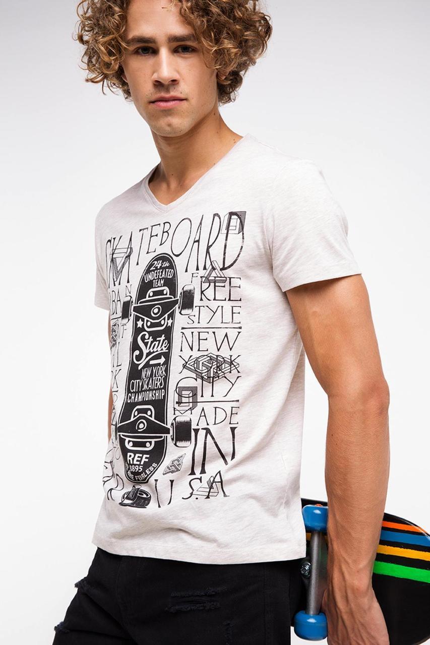ec6fbec0d7719 Мужская футболка De Facto белого цвета с рисунком и надписью на груди -  Интернет-магазин