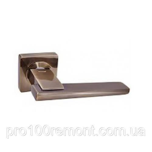 Ручка дверная на розетке NEW KEDR R08.142-AL-AB